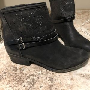 Black blowfish booties